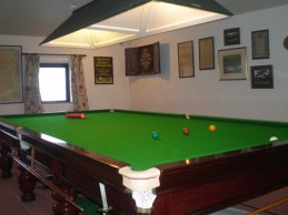 Full sized billiard & snooker table to play on