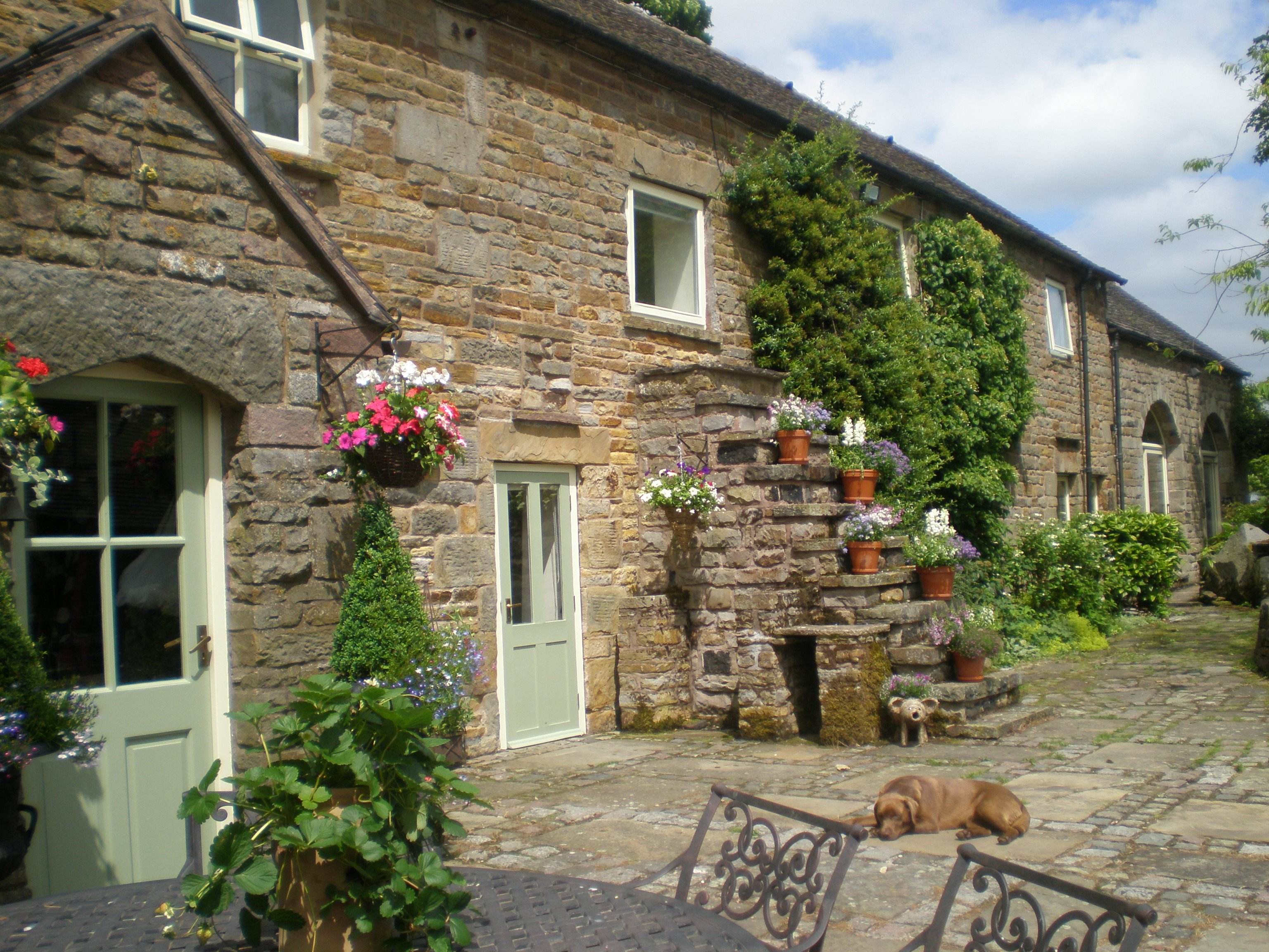 Self Catering Holiday Cottages In The Peak District Derbyshire Dales Butterton Moor House